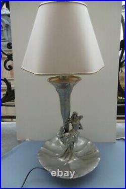 ART NOUVEAU GRANDE LAMPE FEMME ÉTAIN ARGENTE FLEURS D'EAU Parfait état