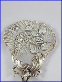 Alphonse Debain Pelle à fraises en argent massif art nouveau