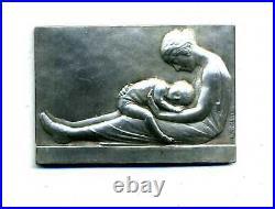 Art Nouveau La mère et lenfant par O. Yencesse cuivre argentée / boite