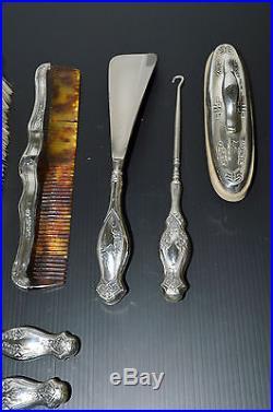 BROSSE CHEVEUX PEIGNE LIME à ONGLE TIRE BOTTE ARGENT ART NOUVEAU Réf. 190-32-42