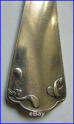Beau COUVERT ART NOUVEAU 1900 Décor de Gui EN ARGENT MASSIF 160 gr