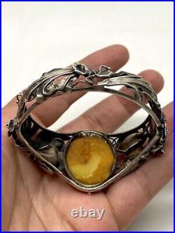 Bracelet en Argent massif avec cabochon en Ambre baltique Art Nouveau 1900