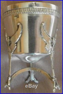 Coquetier argent massif & vermeil de style empire Sphinge ailée & frise acanthe