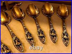 Exceptionnel service, cuillères au décor de DATURA, en argent massif, ART NOUVEAU