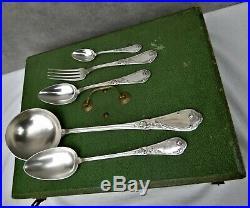 Ménagère Boulenger modèle art nouveau Iris 38 pièces métal argenté bon état
