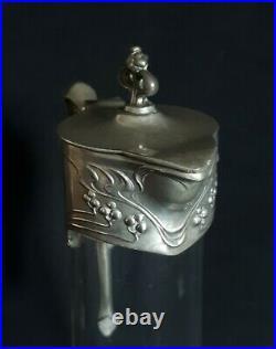 Paire d'aiguières en verre gravé et métal argenté 1900 Art Nouveau