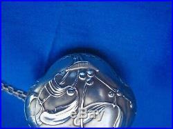 Poudrier art nouveau gui argent Murat 1889 et chaine argent 85cm
