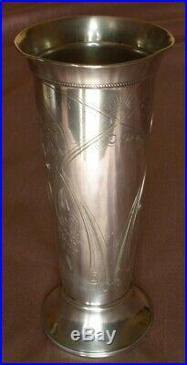 Vase en argent massif russe titre 84 Zolotnik Décor stylisé gravé art nouveau
