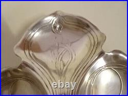 WMF. Art nouveau. Serviteur, mendiantcoupe a gateaux, plateau en métal argenté